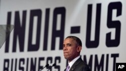 Presiden AS Barack Obama berbicara dalam pertemuan CEO di Hotel Taj Palace di New Delhi, India (26/1). (AP/Carolyn Kaster)