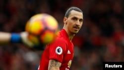 Zlatan Ibrahimovic lors d'un match entre Manchester United et l'AFC Bournemouth, le 4 mars 2017. Reuters / Jason Cairnduff Livepic