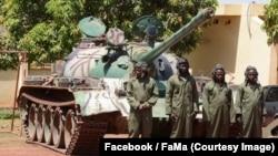 Des soldats du régiment blindé lors 35ème Régiment blindé à Kati, Mali, 4 mai 2018, (Facebook/FaMa).