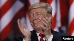 Kandidat presiden AS Donald Trump dalam Konvensi Nasional Partai Republik di Cleveland (21/7). (Reuters/Mike Segar)