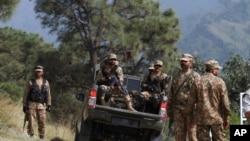 باغ سر میں پاکستانی فوجی (فائل فوٹو)