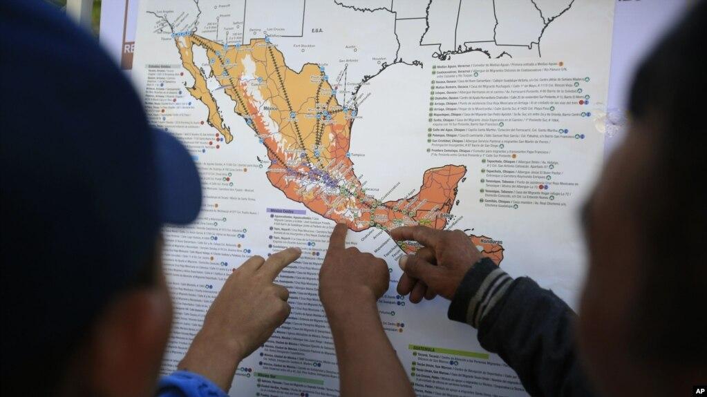 400 de los casi 4000 migrantes que se encontraban en el estadio en Ciudad de México decidieron quedarse.