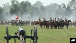The Manassas battle, staged twice during a recent weekend, is the first of several big reenactments planned to mark the 150th anniversary of the American Civil War.