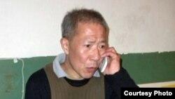 武汉民主人士秦永敏2010年11月获释后在家中(维权网)