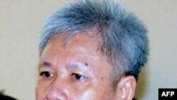 Ông Lư Văn Bảy, 59 tuổi, bị kết tội 'tuyên truyền chống phá nhà nước' trong phiên xử kéo dài nửa ngày ở Kiên Giang. Ngoài bản án tù 4 năm, ông Bảy cũng sẽ bị quản chế 3 năm sau khi thọ án tù