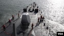 2013年3月15日,台灣海軍的美製紀德級驅逐艦在高雄附近海域演習。