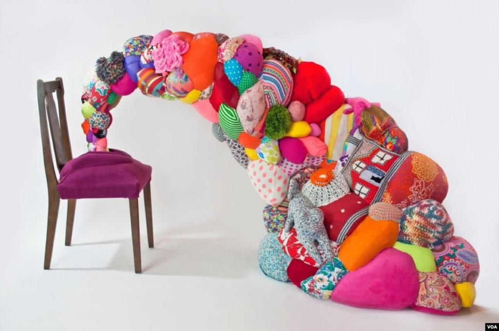 اثر ارائه شده در نمایشگاه آثار هنرمندان ایرانی و کوبایی در نیویورک. از هدی زرباف.