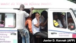"""Une camionnette """"Esprit de mort"""", Kinshasa, le 1er juillet 2013"""