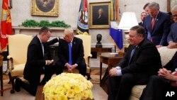 کشیش برانسون بعد از آزادی در کاخ سفید با پرزیدنت ترامپ دیدار کرد.