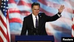 미국 대통령 선거 패배가 확정된 후 지지자들에게 연설하는 미트 롬니 공화당 후보.