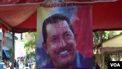Áp phích tranh cử của ông Chavez tại Caracas