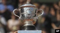 中国网球选手李娜6月4日获法网大满贯冠军