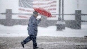 Yeni bir kar fırtınasının yaklaştığı New Hampshire'da Cumhuriyetçi ve Demokrat Partili aday adayları yarın önemli bir sınav vermeye hazırlanıyor.