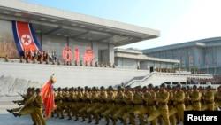 한국전 정전협정 체결 61주년을 맞이한 지난 27일, 북한 평양의 금수산태양궁전 광장에서 결의대회가 열렸다. (자료사진)