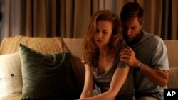 Becca (Nicole Kidman) and Howie (Aaron Eckhart) in RABBIT HOLE.