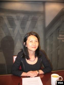 新加坡南洋理工大學拉惹勒南國際研究院副教授兼博導吳逢時博士 (美國之音申華拍攝)