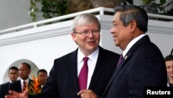 Perdana Menteri Australia Kevin Rudd dan Presiden Susilo Bambang Yudhoyono di Istana Bogor (5/7). (Reuters/Enny Nuraheni)