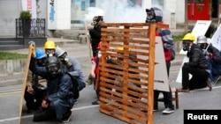 土耳其五一抗议游行与警察发生冲突