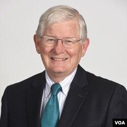 美国知名选举专家,美利坚大学国会与总统研究中心创办人詹姆斯·瑟伯教授(James Thurber)