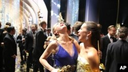 Brie Larson dhe Alicia Vikander