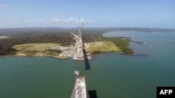 """El Canal de Panamá había informado el miércoles, a través de su Twitter, quelos tránsitos programados se realizan """"con absoluta normalidad y sin contratiempos""""."""