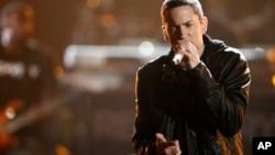 Eminem donne un concert au BET Awards, le 27 juin 2010 à Los Angeles