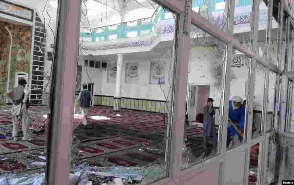 در روزهای اخیر گروه داعش چند رشته بمبگذاری بخصوص در شرق افغانستان تدارک دیده است. هدف این حملات مساجد شیعیان است.