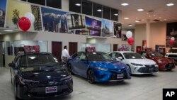 Salón de muestras de una concesionaria de Toyota en Puente Hills, California, fotografiado el 14 de febrero del 2019. La industria automovilística de EE.UU. se prepara para otra escalada en la guerra de aranceles del presidente Donald Trump con el mundo.
