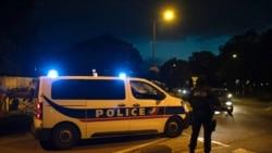 En France, les autorités ont lancé une opération policière contre la mouvance islamiste