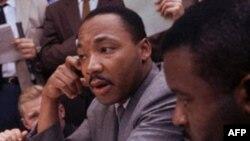 Ông King là một nhà truyền giáo Baptist, và ông đã đấu tranh chống lại tình trạng phân biệt chủng tộc hồi những năm 50 và 60, chủ yếu là tại miền nam Hoa Kỳ (hình chụp ngày 9/5/1963)