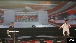 Debat kedua calon presiden Indonesia (VOA/Fathiyah Wardah)
