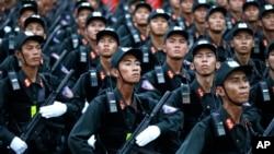Hiện chưa rõ Việt Nam sẽ mua vũ khí gì của Hoa Kỳ, nếu lệnh cấm vận vũ khí sát thương được dỡ bỏ hoàn toàn.