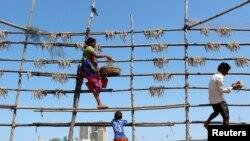 Niankoro Yeah Samake joint par Idriss Fall