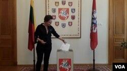 Голосование в Генеральном консульстве Литовской республики в Санкт-Петербурге