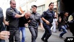 Оппозиция протестует против фальсификации выборов