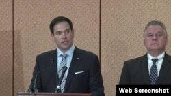 美國國會及行政當局中國委員會(CECC)共同主席克里斯•史密斯眾議員和馬克•魯比奧參議員(左)。