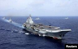 중국 해군의 랴오닝 항공모함.