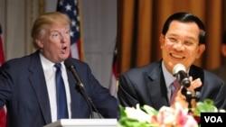 លោក Donald Trump បេក្ខជនប្រធានាធិបតីសហរដ្ឋអាមេរិក (ឆ្វេង) និងលោកនាយករដ្ឋមន្ត្រី ហ៊ុន សែន នៃប្រទេសកម្ពុជា (ស្តាំ)។