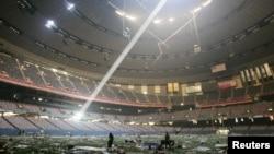 Стадион «Супердоум» уже после того, как его покинули 30 тысяч человек, пережидавших наводнение