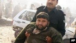 카이버 폭탄 테러로 부상을 당한 파키스탄인