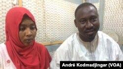 Hawariya et son cousin à N'Djamena, au Tchad, le 10 novembre 2018. (VOA/André Kodmadjingar)