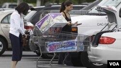 La economía del país depende en más del 60 por ciento del consumo.