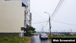 Bên ngoài khách sạn Beach Light ở Đà Nẵng. Photo Infonet.