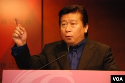 台灣陸委會特任副主委張顯耀表示,目前兩岸展開政治談判的時機尚未成熟
