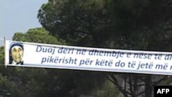 Tirana nderon Nënë Terezën në 100 vjetorin e lindjes