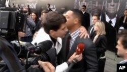 Will Smith se convirtió en 'trending topic' en Twitter tras el beso del reportero en Moscú.