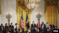 Obama reconoció, entre otros, a un ex presidente, a una leyenda del baloncesto y una heroína de los derechos civiles.