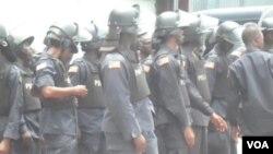 Liberian riot police (courtesy: Liberia's FrontPage Africa).