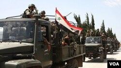 Pasukan Suriah mengepung kota Jisr al-Shughour, di utara Damaskus (10/6), untuk membalas tindakan 'gerombolan bersenjata' yang membunuh 120 polisi Suriah.