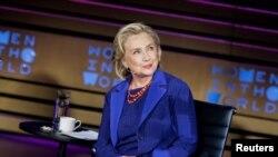 Bộ Ngoại giao Mỹ đang tiến hành một cuộc thẩm duyệt liên quan đến việc Hillary Clinton sử dụng máy chủ email cá nhân để làm công vụ thời bà còn làm ngoại trưởng.
